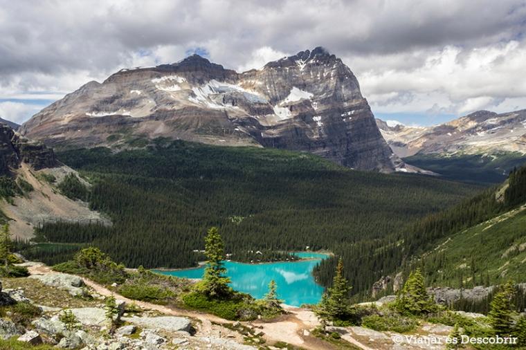 El color turquesa del llac O'Hara és el gran protagonista de l'entorn.