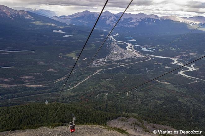 Des del Jasper Skytram veiem tot l'entorn de Jasper.