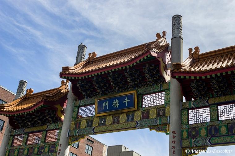 La Chinatown Millenium Gate.