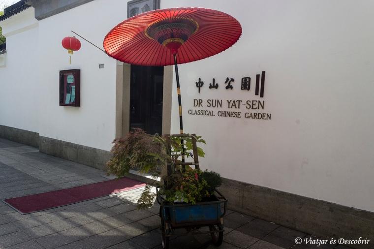 Llavors ens dirigim als clàssics jardins xinesos.