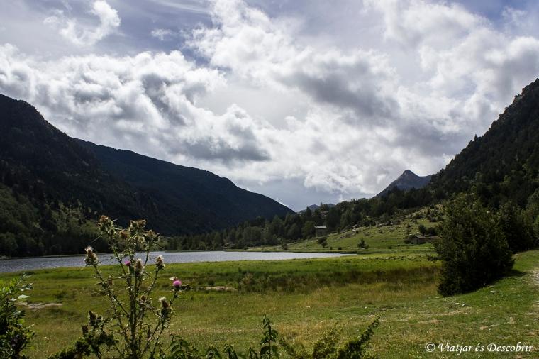 Aquest és el primer estany dels molts que veuríem durant el trekking.