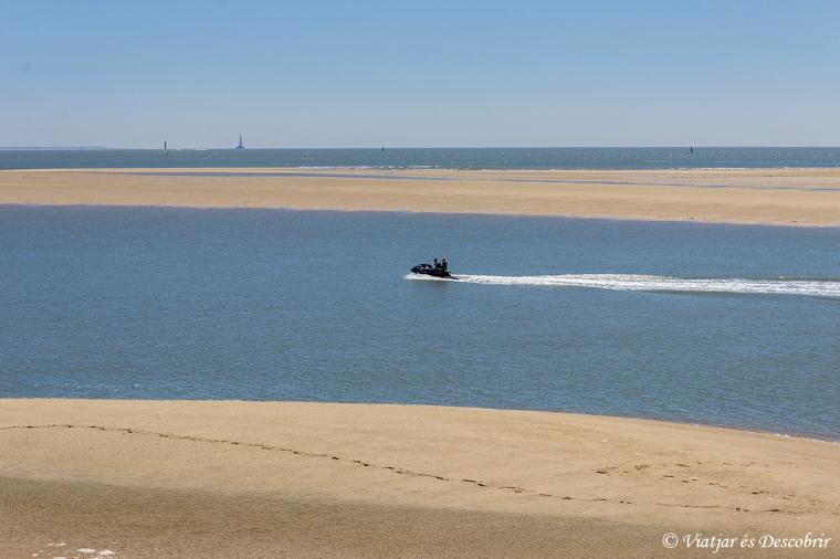 La Velodysee passa pel costat de platges infinites.