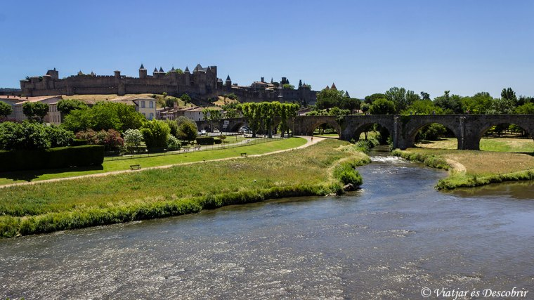 Vistes de la ciutat medieval de Carcassone i del Pont Antic.