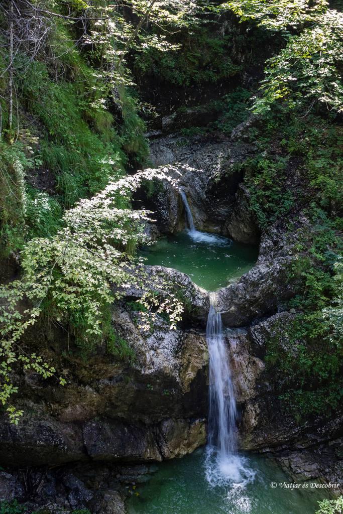 cascada katerdala en una excursion por eslovenia