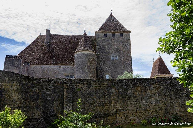 Ben a prop de la Reole hi trobo un castell del segle XII.