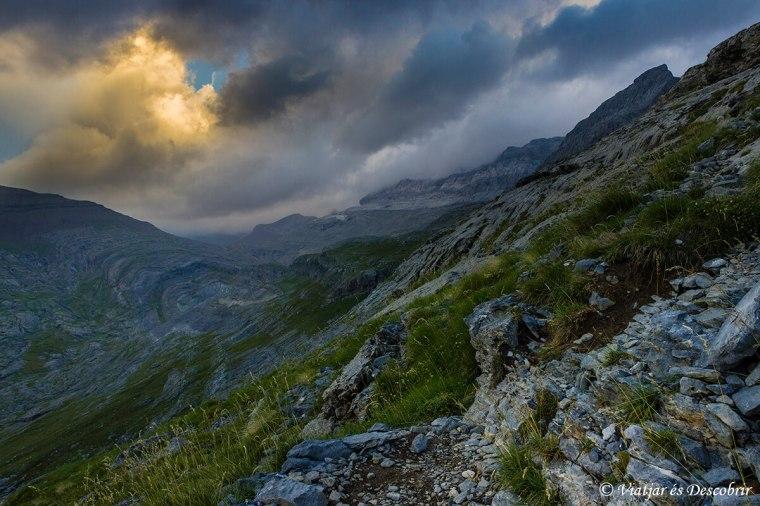pujant per ascendir al mont perdut