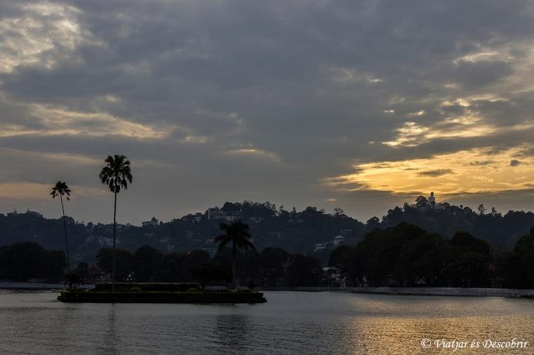 llacs de sri lanka a kandy