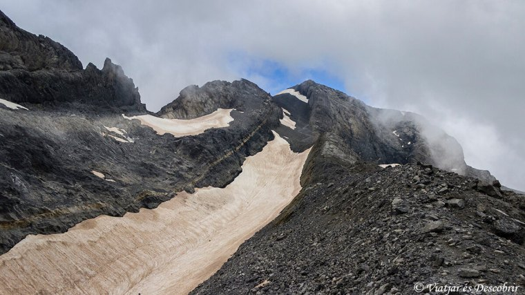 vista perfecte del pic del mont perdut