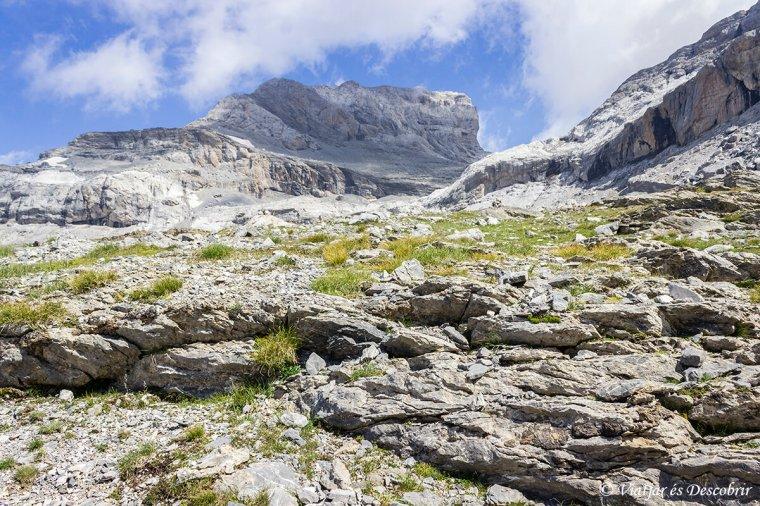 trekking per fer pujar al mont perdut