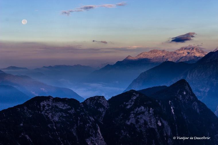 vistes al despertat a la muntanya eslovena