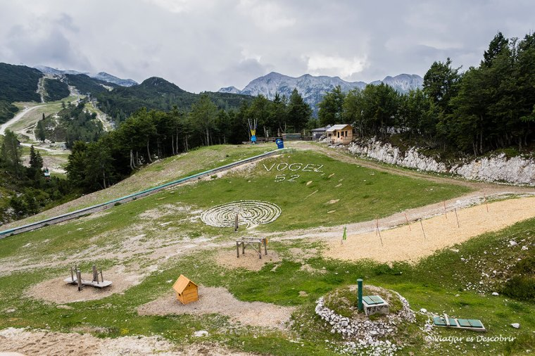 L'estació d'esquí Vogel es troba al costat del Llac Bohinj