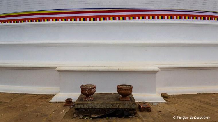 La pau innunda Sri Lanka en els punts de peregrinació.