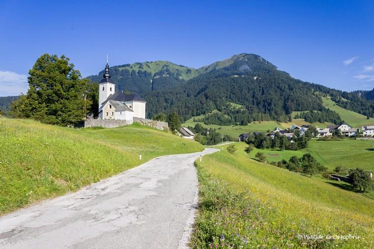 per arribar a velika planina passem per carreteres solitàries molt tranquiles.