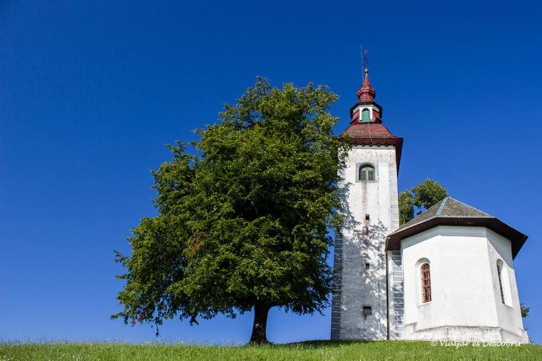 fer una parada per veure l'esglèsia Cerkev Sv. Tomaz