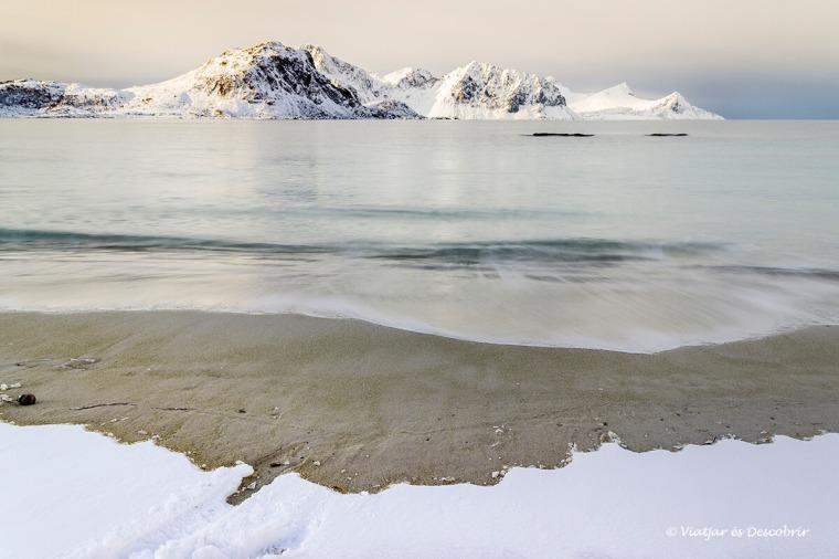 Vam descobrir la calma de l'àrtic durant el viatge a les Illes Lofoten.