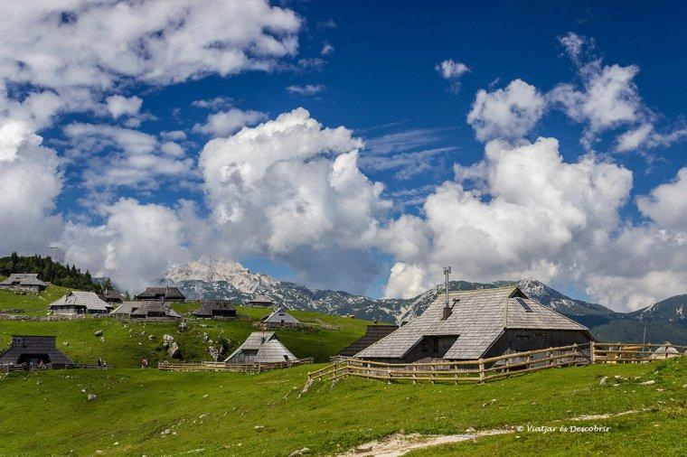 la tradició és la característica de velika planina i les cases dels pastors.