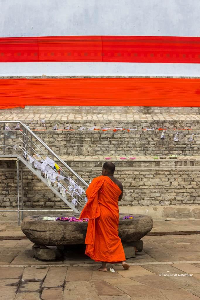 La ciutat antiga d'Anuradhapura és de les més sagrades de Sri Lanka.