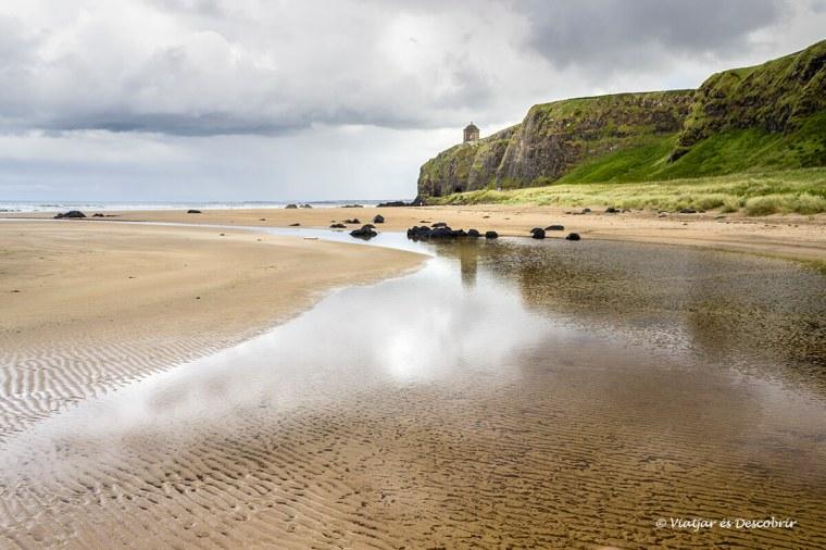 platja de la costa de irlanda del nord