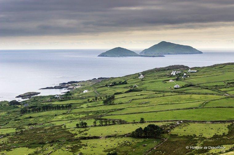 vista de la ruta kerry ring a la costa de irlanda