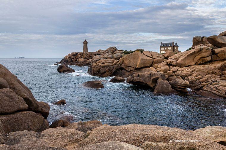 el mar i el far de Ploumanac'h