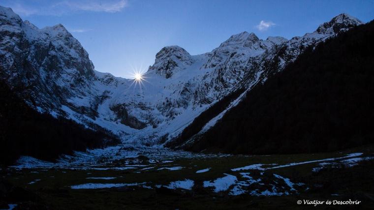 posta de sol a l'artiga de lin un lloc on anar a la vall d'aran
