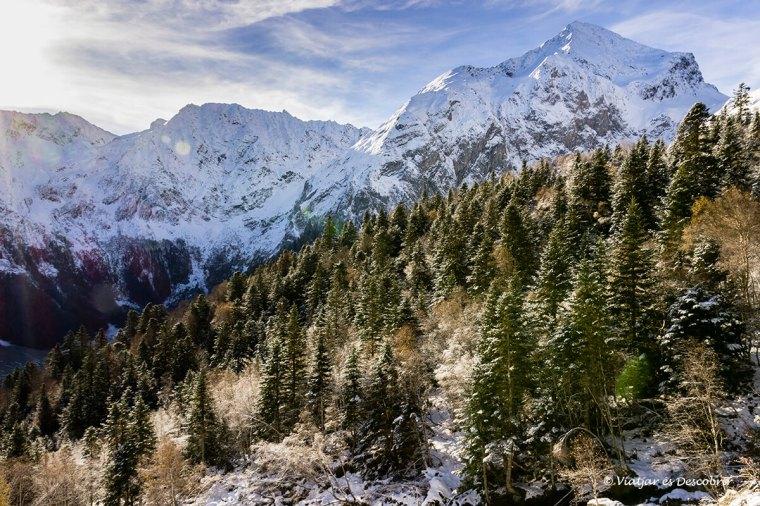 vista panoramica muntanyes de la vall d'aran