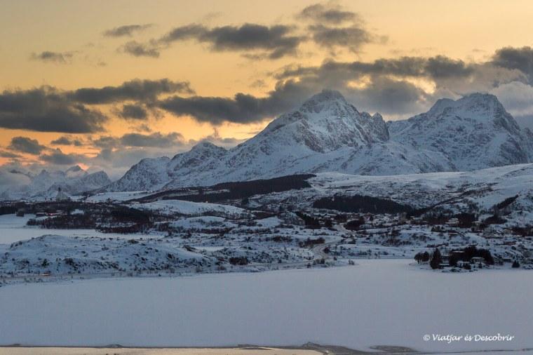 panoramica de Torvdalshalsen en invierno
